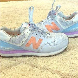 New Balance 574 tennis shoe